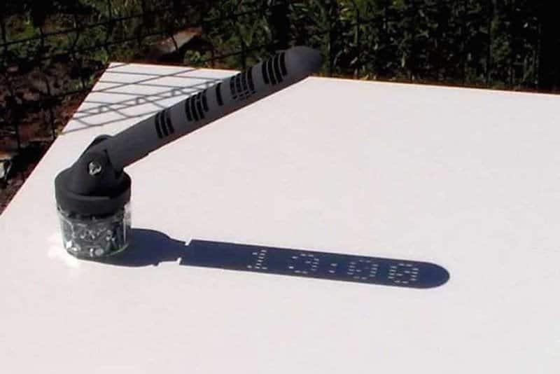 Un reloj solar capaz de dar la hora como uno digital sin necesidad de electricidad