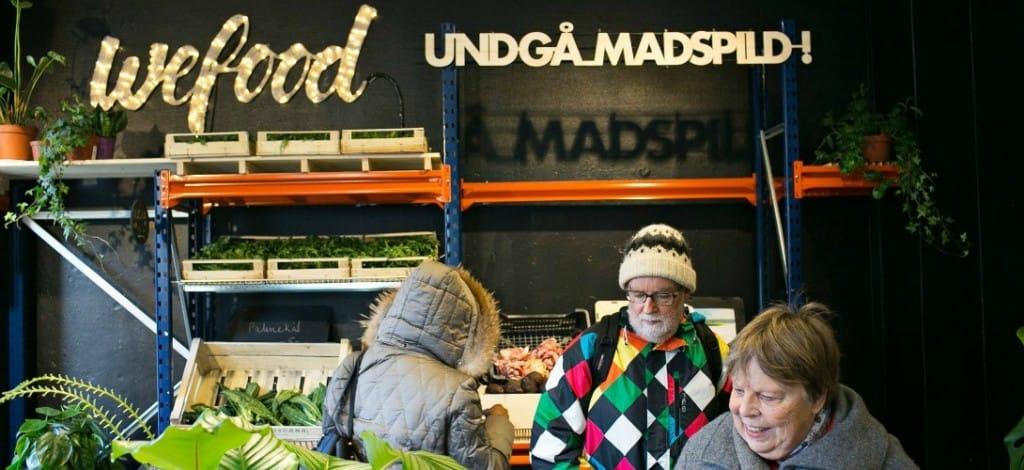 Dinamarca inaugura el primer supermercado del mundo que sólo vende alimentos caducados