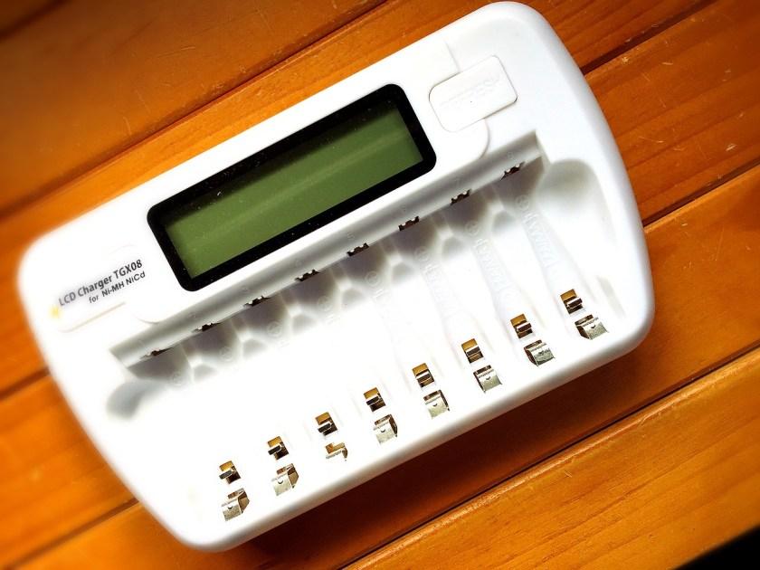 エネループ&エネロング対応LCD充電器 TGX08