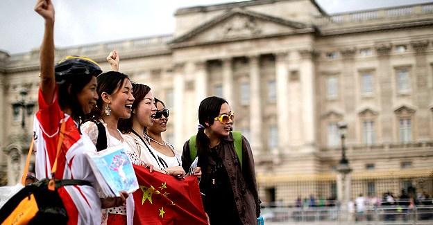 Turistas chinos: los más numerosos y los que más gastan