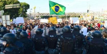 manifestaciones-en-las-cercanias-del-estadio-maracana_595_397_184576