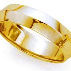 Plain Knife Edge Wedding Band In 14K Yellow Gold (6Mm)