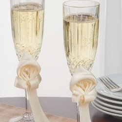 Ivy Lane Design Calla Lily Wedding Collection, Crystal Toasting Flutes, Ivory