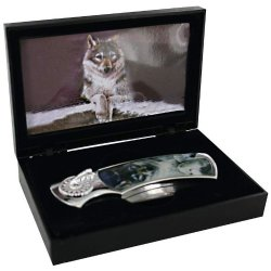 Lock Back Knife With Wolf Scene