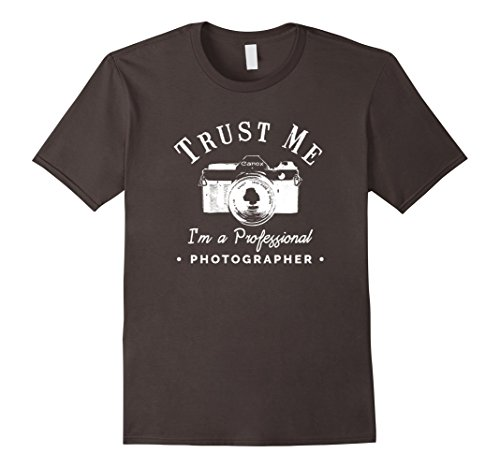 Trust me I'm a Professional Photographer | Funny t-Shirt