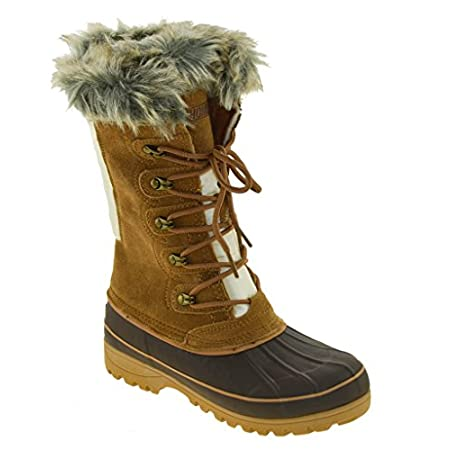 Treat yourself to a great blend of warmth and comfort with the Khombu Nordic 2. As official supplier to the U.S. Ski Team, Khombu knows what it takes to protect from the elements. These boots are waterproof, and temperature rated up to -20 C. The fau...