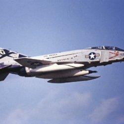 Hasegawa 02064 1/72 F-4J Phantom Ii Vf-96 Falcon Limited