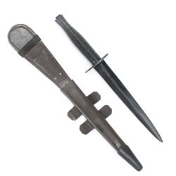 British Wwii Fairbairn-Sykes Fighting Knife With Scabbard And Black Steel Grip