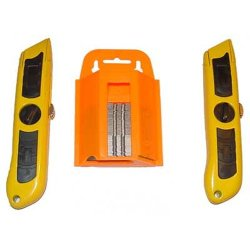 4 Heavy Utility Knife With 200 Blades And Case
