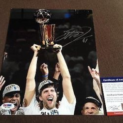 Dirk Nowitzki Signed Photo - 8X10 Rare - Psa/Dna Certified - Autographed Nba Photos