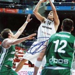 Signed Dirk Nowitzki Picture - 11X14 #Q45184 - Psa/Dna Certified - Autographed Nba Photos