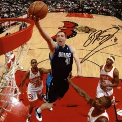 Mavericks Dirk Nowitzki Signed Authentic 11X14 Photo Autographed Certificate Of Authenticity Jsa #E14115