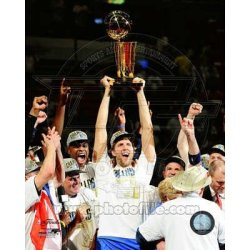 (11X14) Dirk Nowitzki With The 2011 Nba Championship Trophy Game 6 Of The 2011 Nba Finals Glossy Photograph Photo