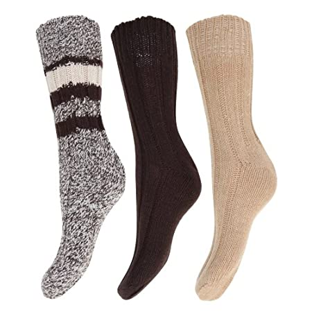 Ladies premium quality wool socks. Ideal for cold winter days or sports. Fiber contents: 40% wool & 60% mixed fibers.