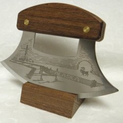 Alaskan Inupiat Style Walnut Ulu Knife With Pipeline Etched Blade & Display Stand