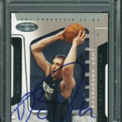 Mavericks Dirk Nowitzki Authentic Signed Card 2002 Hoops #28 Psa/Dna Slabbed