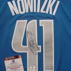 Dirk Nowitzki Dallas Mavericks Autographed Blue #41 Jersey Global Coa