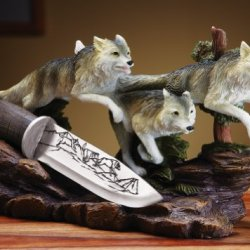 Wolves Tabletop Sculpture & Collectible Knife Set