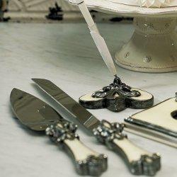 Decorative Fleur De Lis Wedding Cake Serving Set