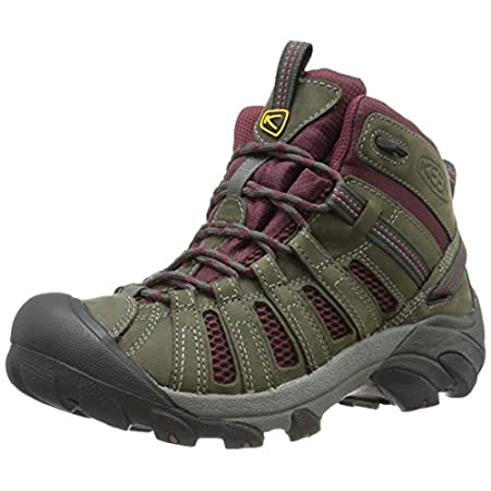 Hiking, vacationing or just trekking to work, the KEEN Voyageur Mid trail boot is a rugged cruiser with its windows down for ventilation. Breathable and flexible, the waterproof nubuck and mesh upper and woven textile lining of this lightweight women...