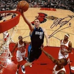 Signed Dirk Nowitzki Photo - 11X14 #E14115 - Jsa Certified - Autographed Nba Photos