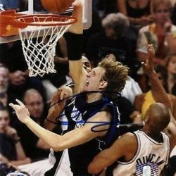 Dirk Nowitzki Autographed Picture - 8X10 #I61346 - Psa/Dna Certified - Autographed Nba Photos