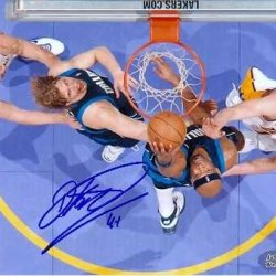 Dirk Nowitzki Autographed 8X10 Photo (Dallas Mavericks)