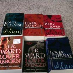 Black Dagger Brotherhood Set By J.R. Ward Vol. 1-13 (Black Dagger Brotherhood Vol. 1-12)