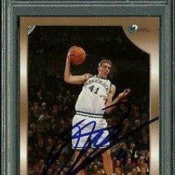 Mavericks Dirk Nowitzki Signed Card 1998 Topps Rc #154 Slabbed 2 - Psa/Dna Certified - Nba Slabbed Vintage Cards