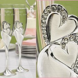 Raebella Weddings Bling Love Double Heart Sparkling Champagne Toasting Wedding Party Flutes Set Of 2 Glasses Free Engraving