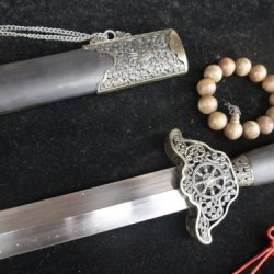 Chinese War Sword Sale/Damascus Sword Blade/Black Wooden Scabbard/Alloy Fitting