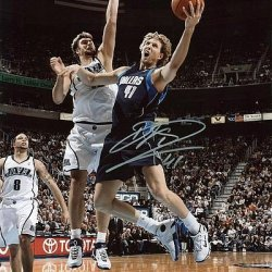 Psa/Dna Mavericks Dirk Nowitzki Signed Authentic 11X14 Photo Autographed - Certified Authentic