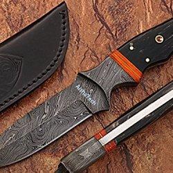 Armoraiders Hunting Knife Damacus Steel Blade Horn Handle