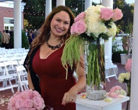 Shirley-Bovshow-pink-rose-bouquet-with-white-hydrangeas