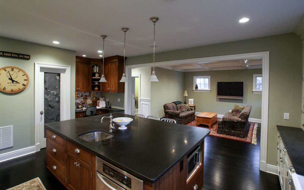 Ed-Ensign-Contracting-Kitchens-16x10-14