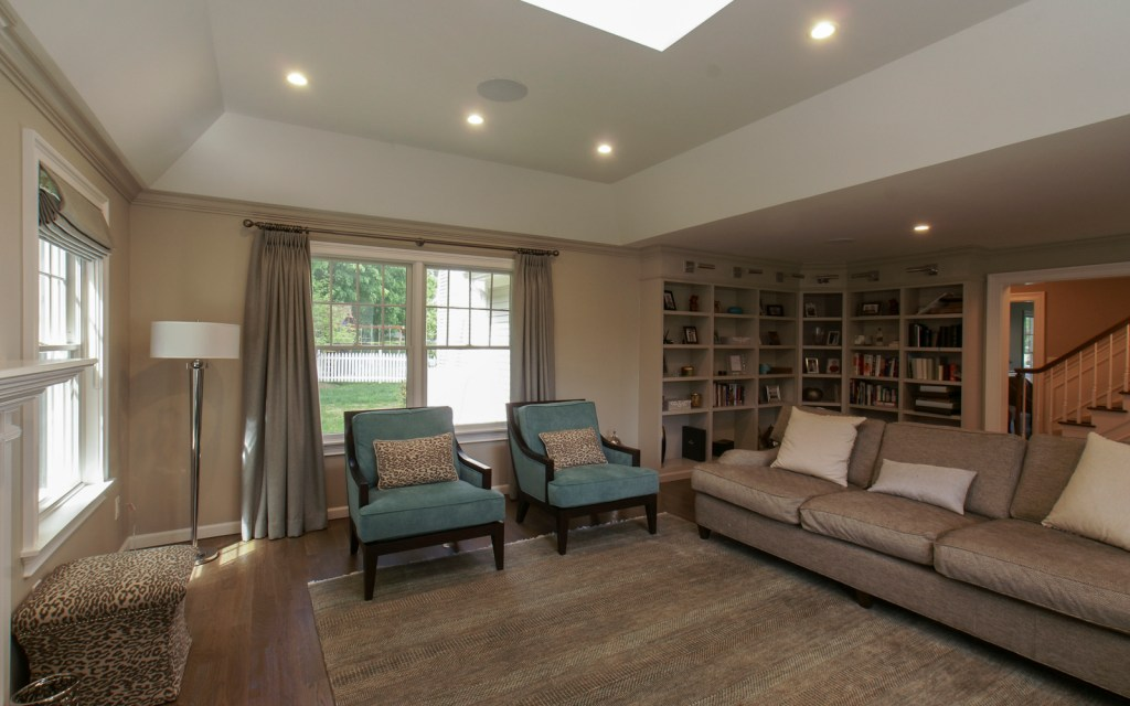 Ed-Ensign-Contracting-Living-Rooms-02