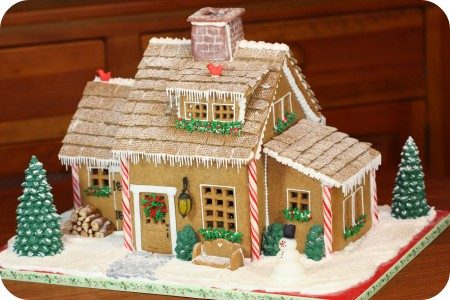 Inspiration gingerbread houses edible crafts for Gingerbread house inspiration