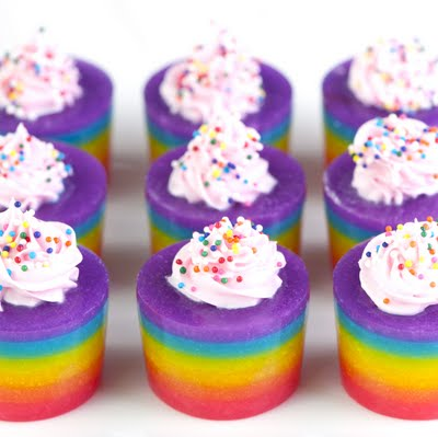 Cake-inspired Rainbow Jelly Shots – Edible Crafts