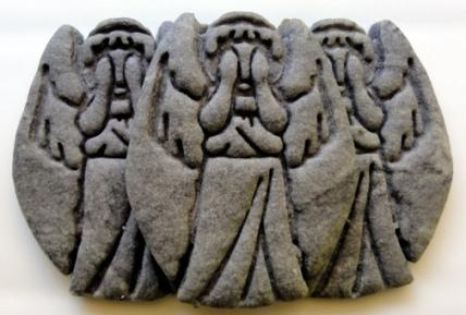 statue cookies