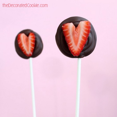 chocolate strawberry pops