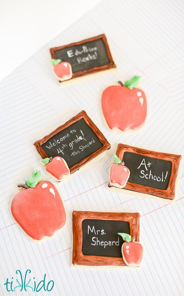 back-to-school-chalkboard-cookies