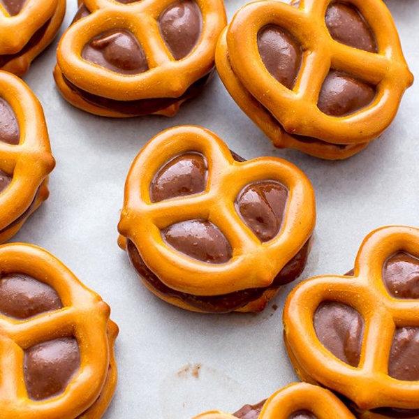 chocolate almond butter pretzel bites