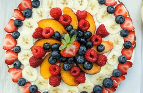 Fruit Pizza with Gingersnap Crust