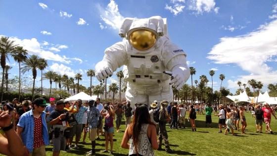 coachella-astronaut