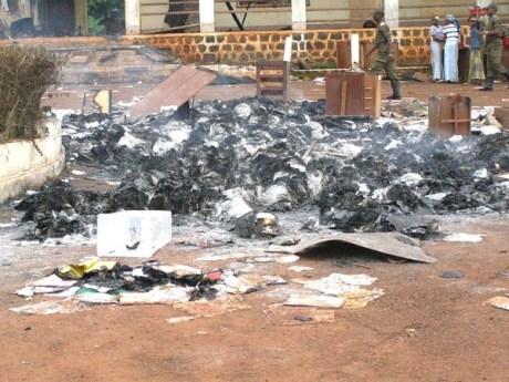 Les archives du Haut-Nyong en fumée