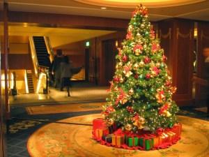christmas-tree-decoreated