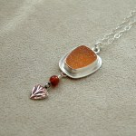 Druzy-Necklace-with-Poppy