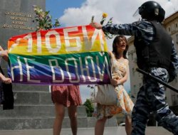 Dos activistas LGBT rusos luchan por un sitio