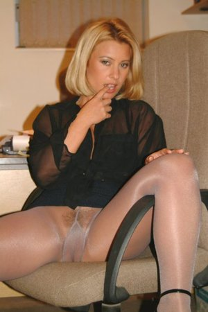 granny panties under pantyhose
