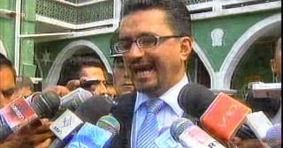 Ministro de Gobierno se querella contra dos policías extorsionadores de Norte Potosí